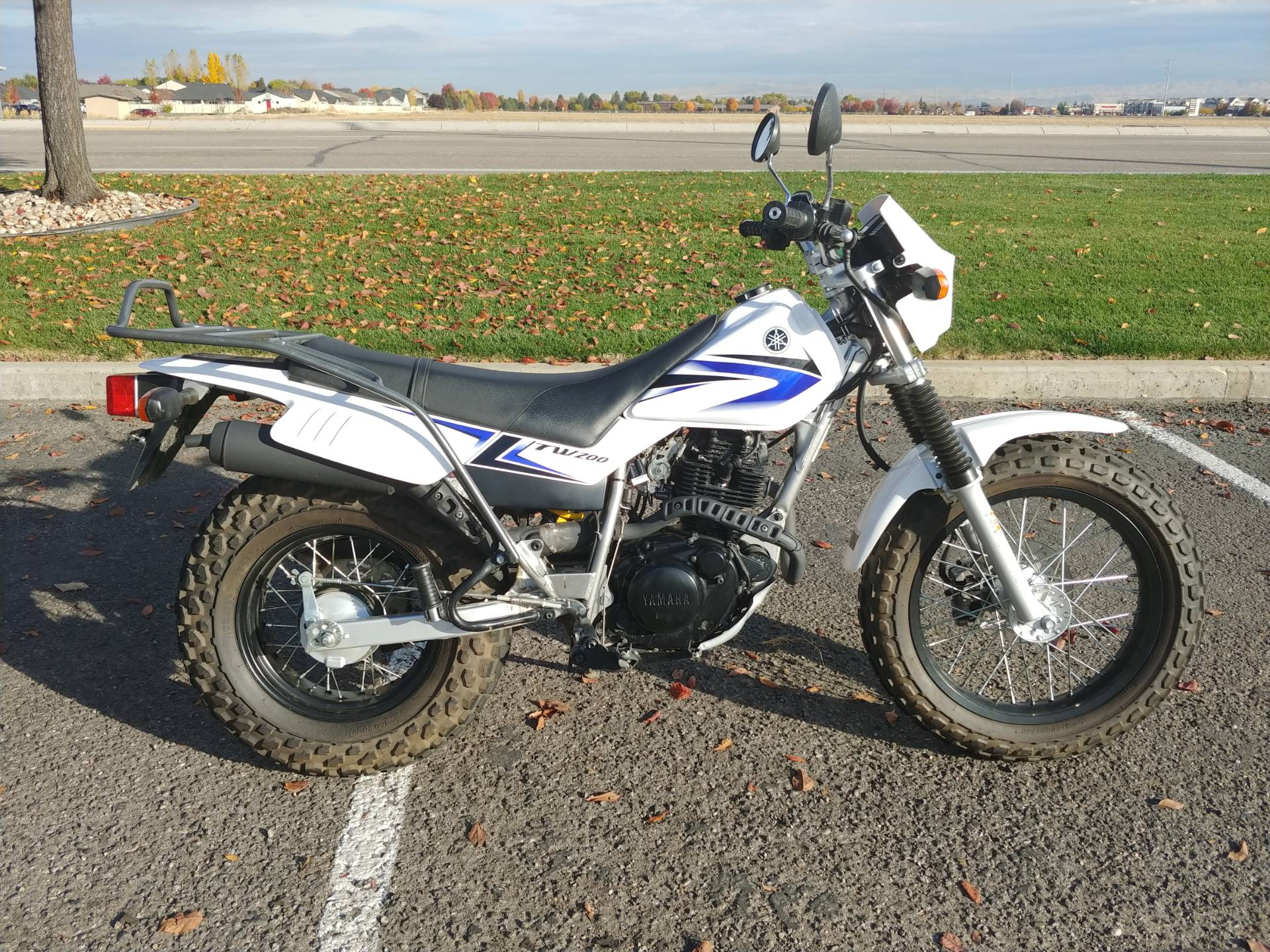 2012 Yamaha TW200 2