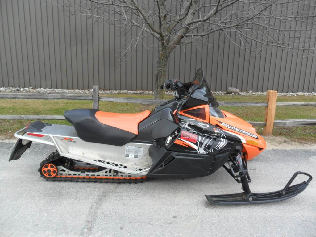 2010 Arctic Cat Z1™ Turbo LXR in Baldwin, Michigan