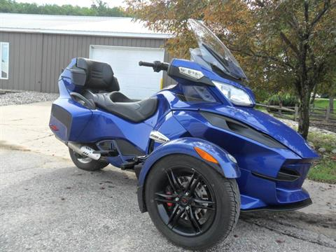 2012 Can-Am Spyder® RT Audio & Convenience SM5 in Baldwin, Michigan