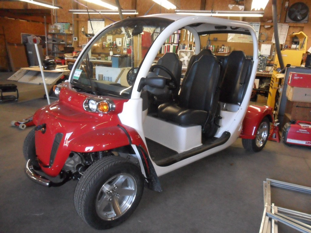 2013 GEM E4 Deluxe Package w/ aluminum wheels in Baldwin, Michigan