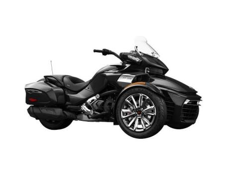2016 Can-Am Spyder F3 Limited in Baldwin, Michigan