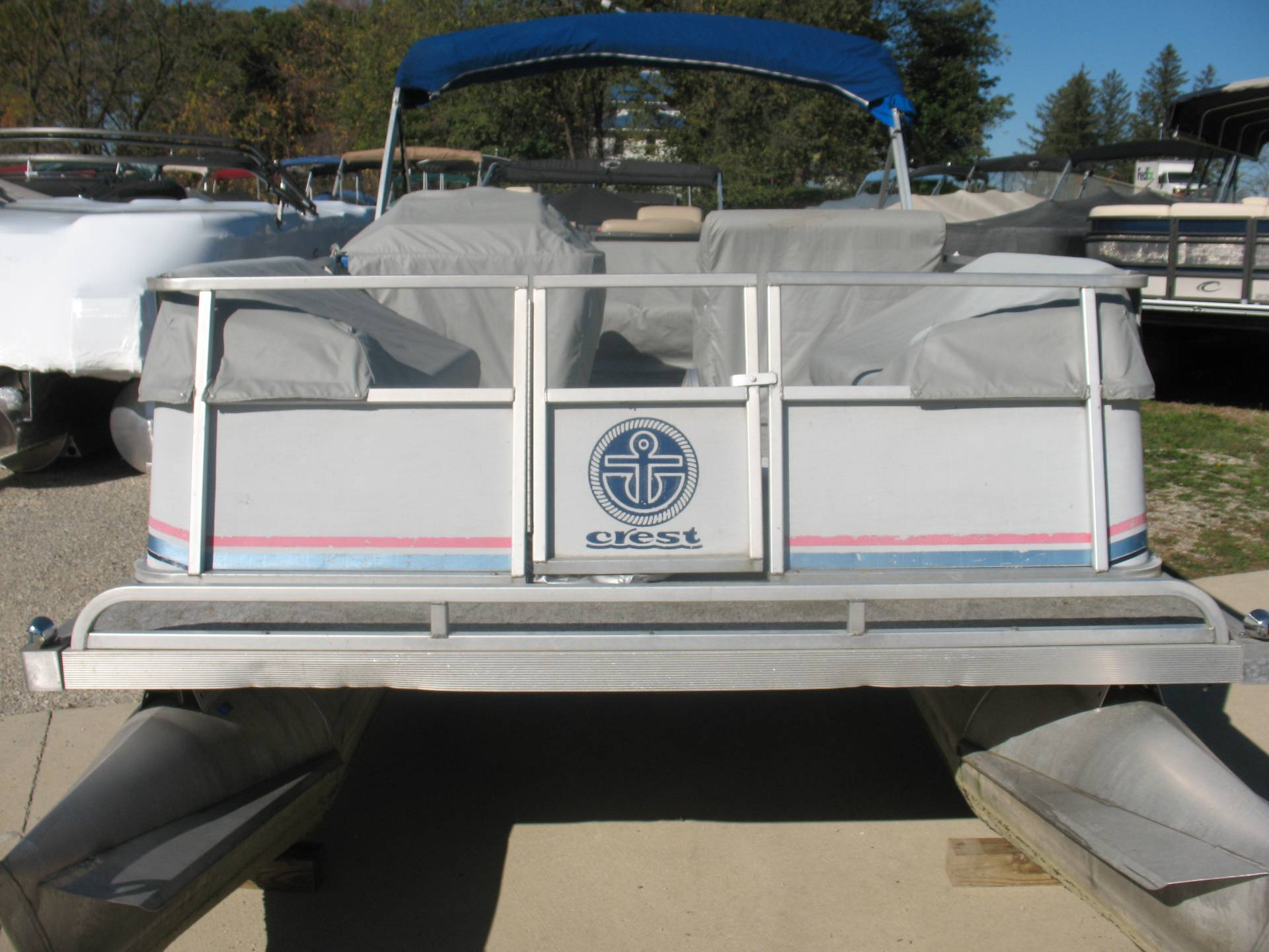 1991 Crest Crest II in Manitou Beach, Michigan