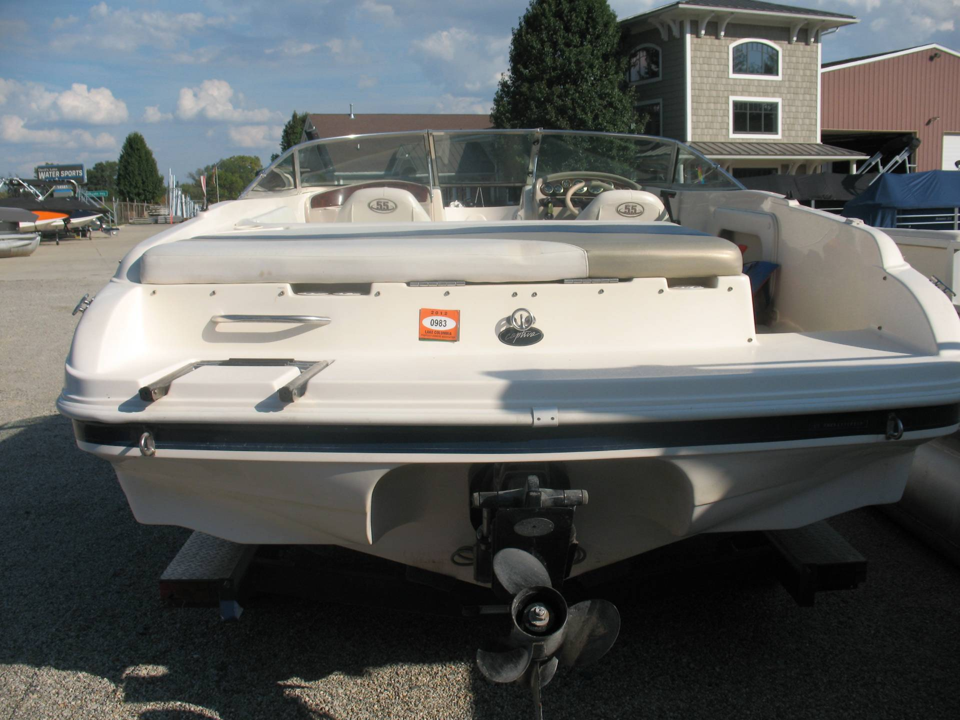 2000 Rinker Captiva 212 in Manitou Beach, Michigan