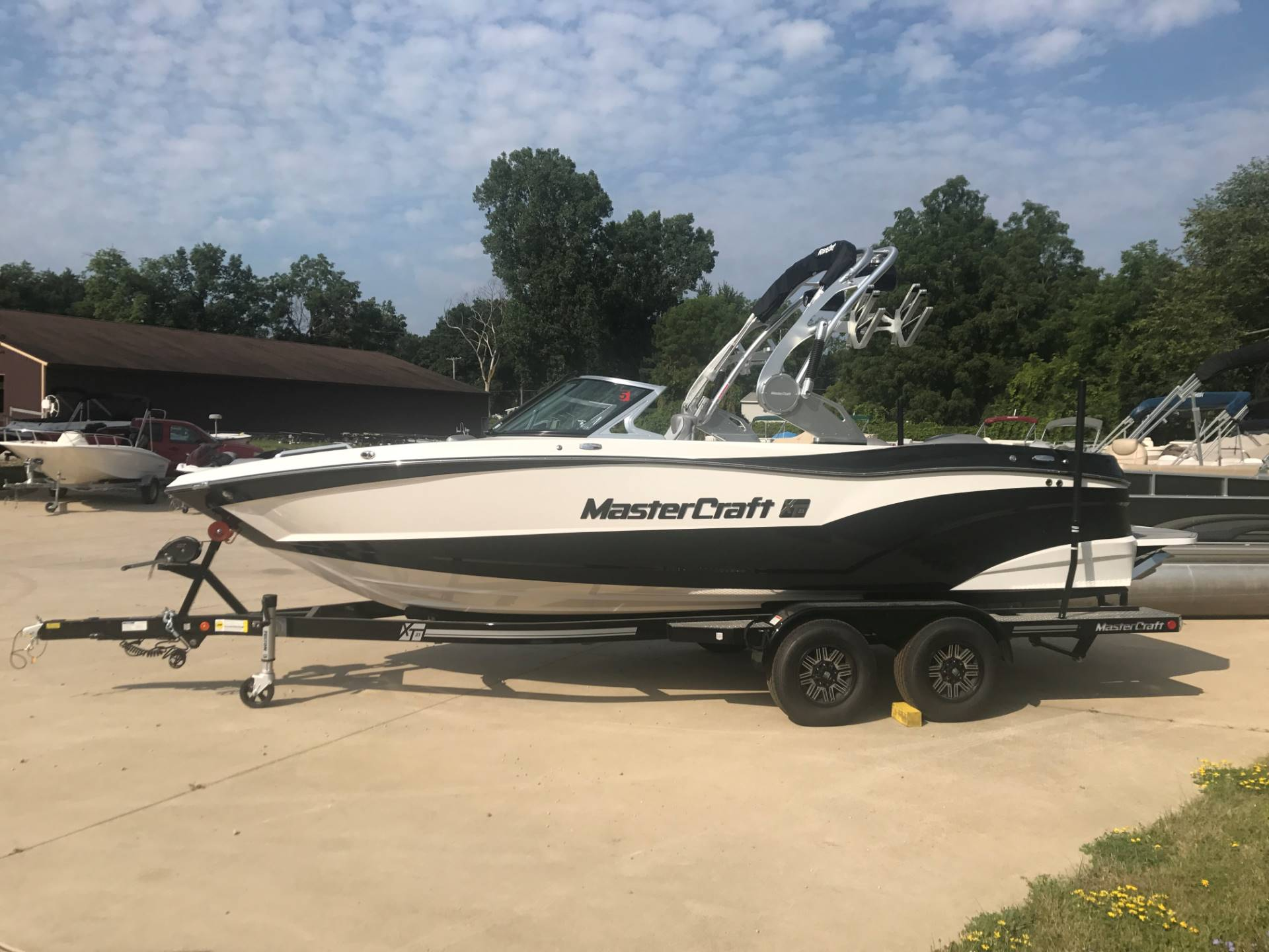 2017 Mastercraft XT21 in Manitou Beach, Michigan