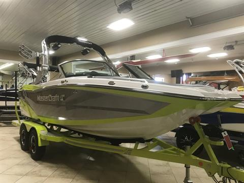 2017 Mastercraft XT20 in Manitou Beach, Michigan