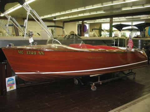 1956 Chris-Craft Deluxe-Runabout in Manitou Beach, Michigan