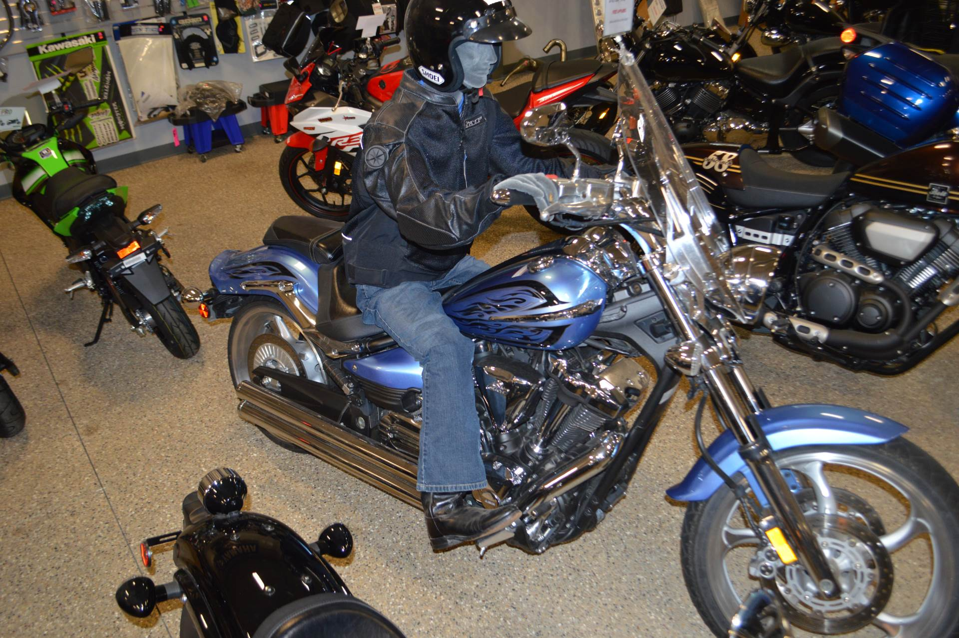 2011 Yamaha Raider S in Darien, Wisconsin
