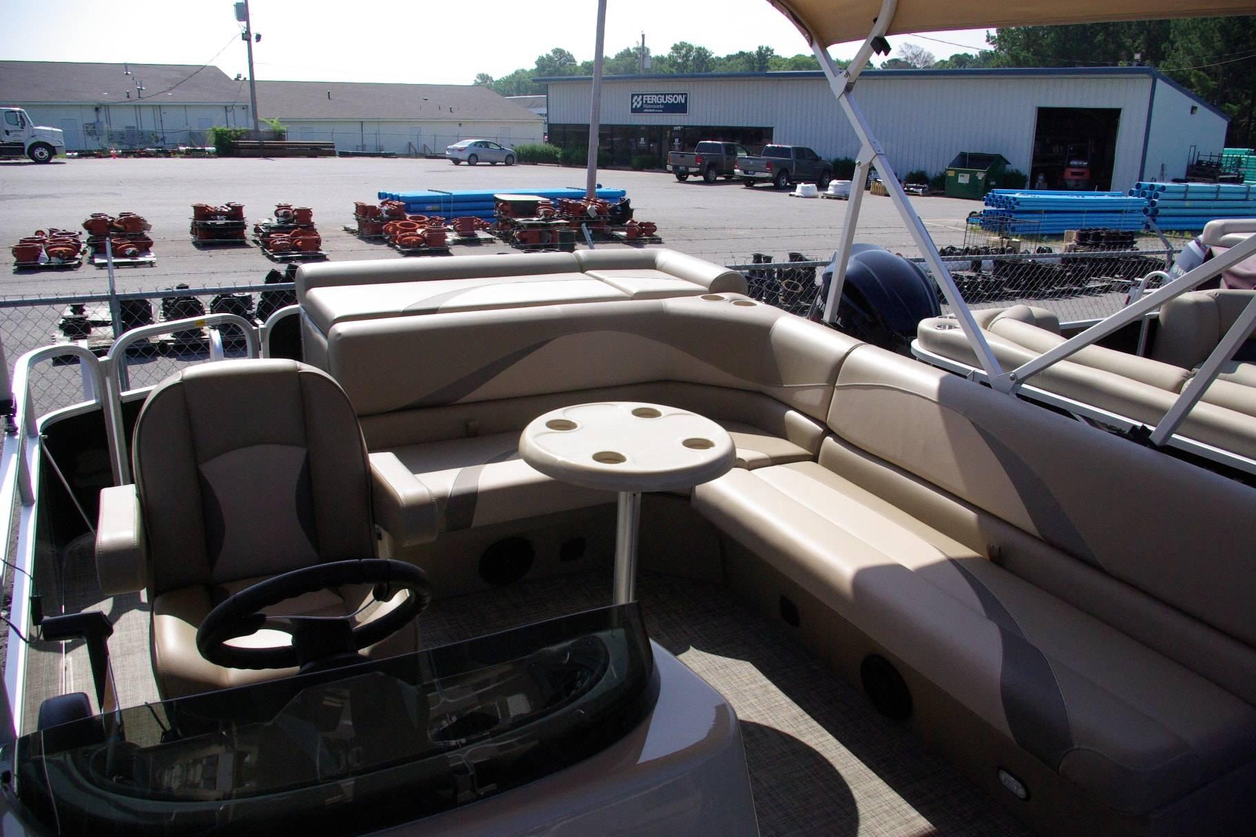 2016 SunCatcher V20 Fish & Cruise in Bryant, Arkansas