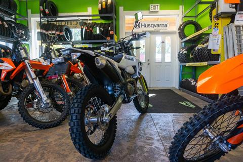 2020 Husqvarna FE 350s in Gresham, Oregon - Photo 4