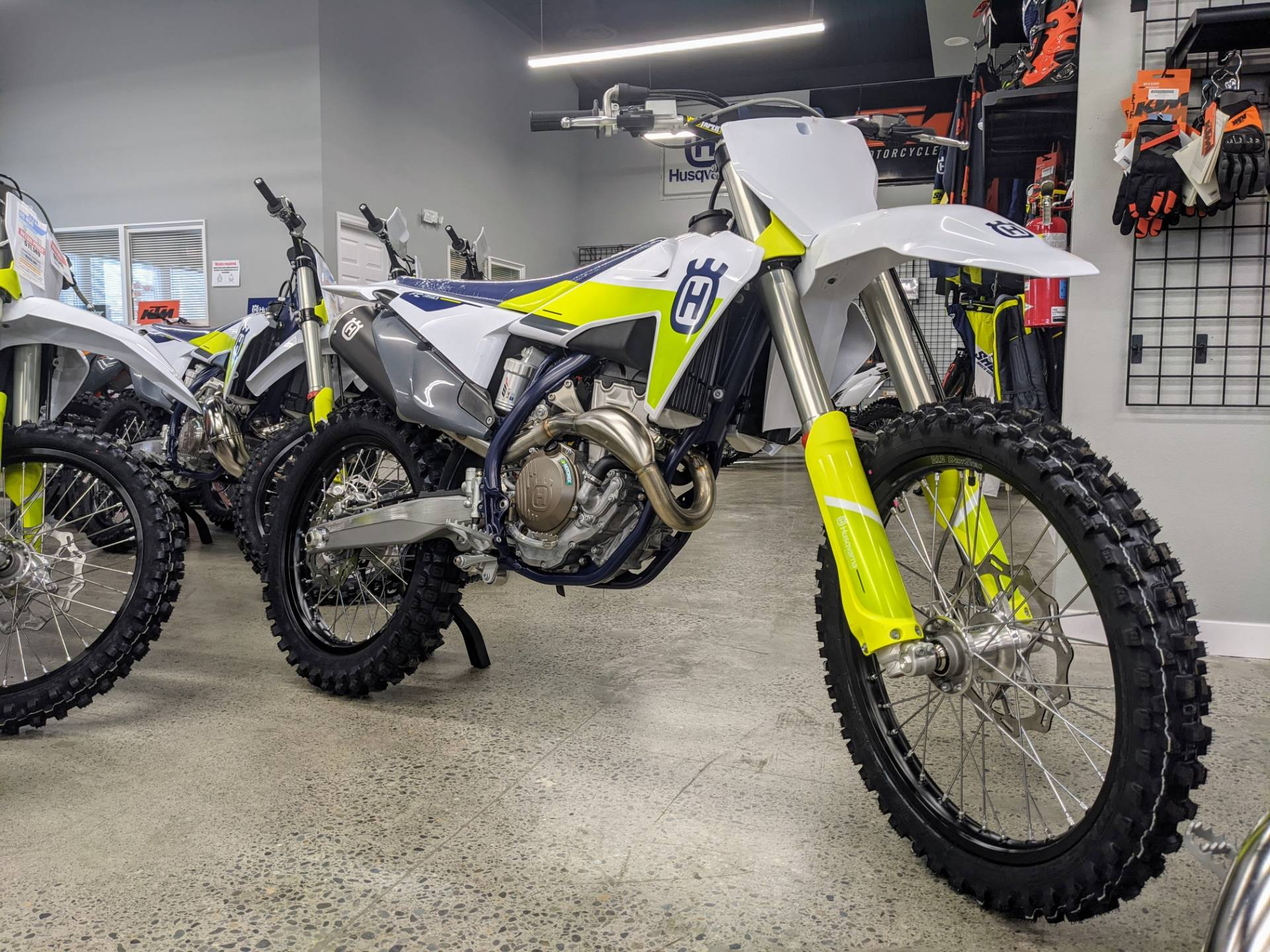 2021 Husqvarna FC 350 in Gresham, Oregon - Photo 2