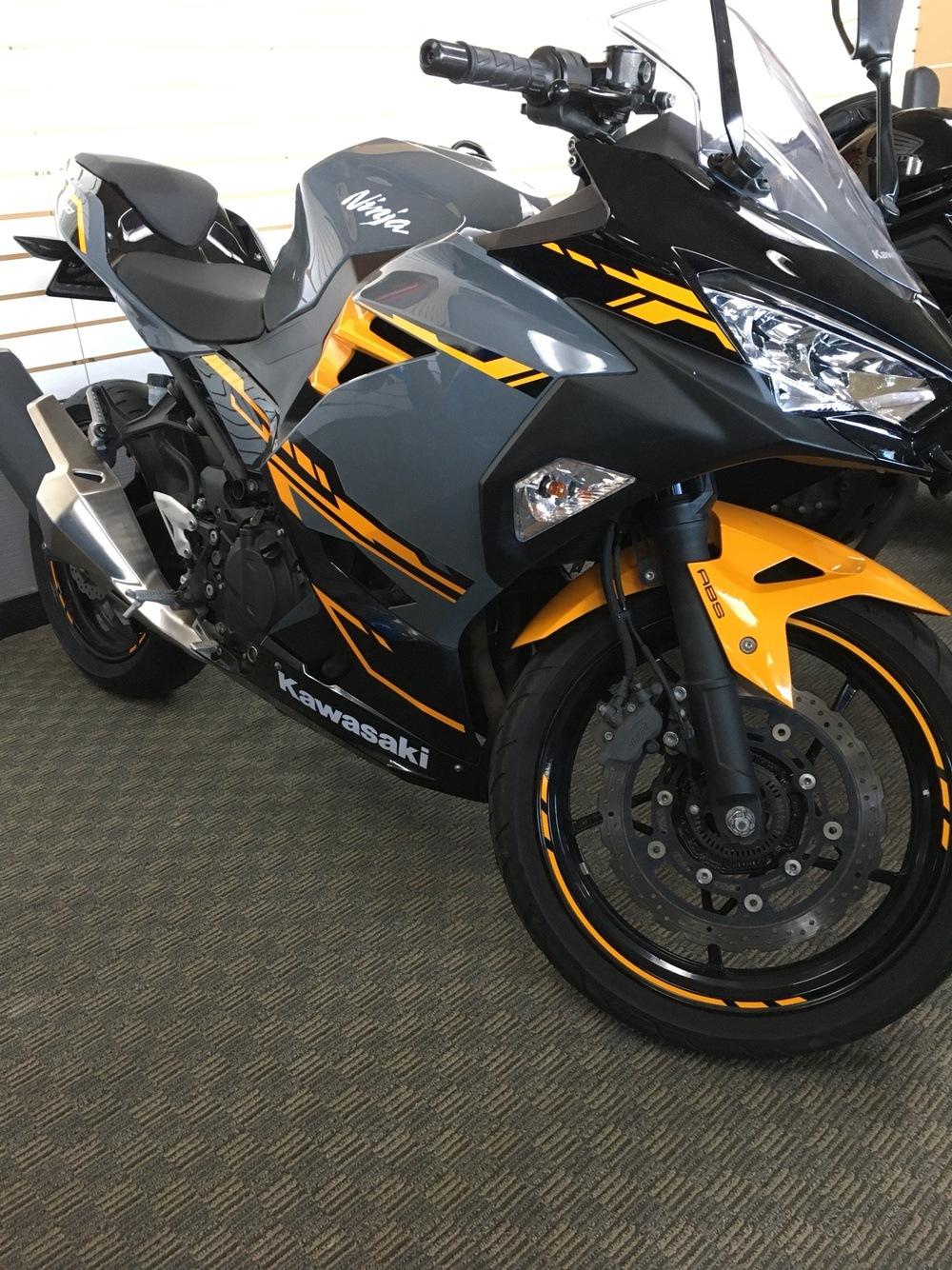 2018 Kawasaki Ninja 400 ABS 2