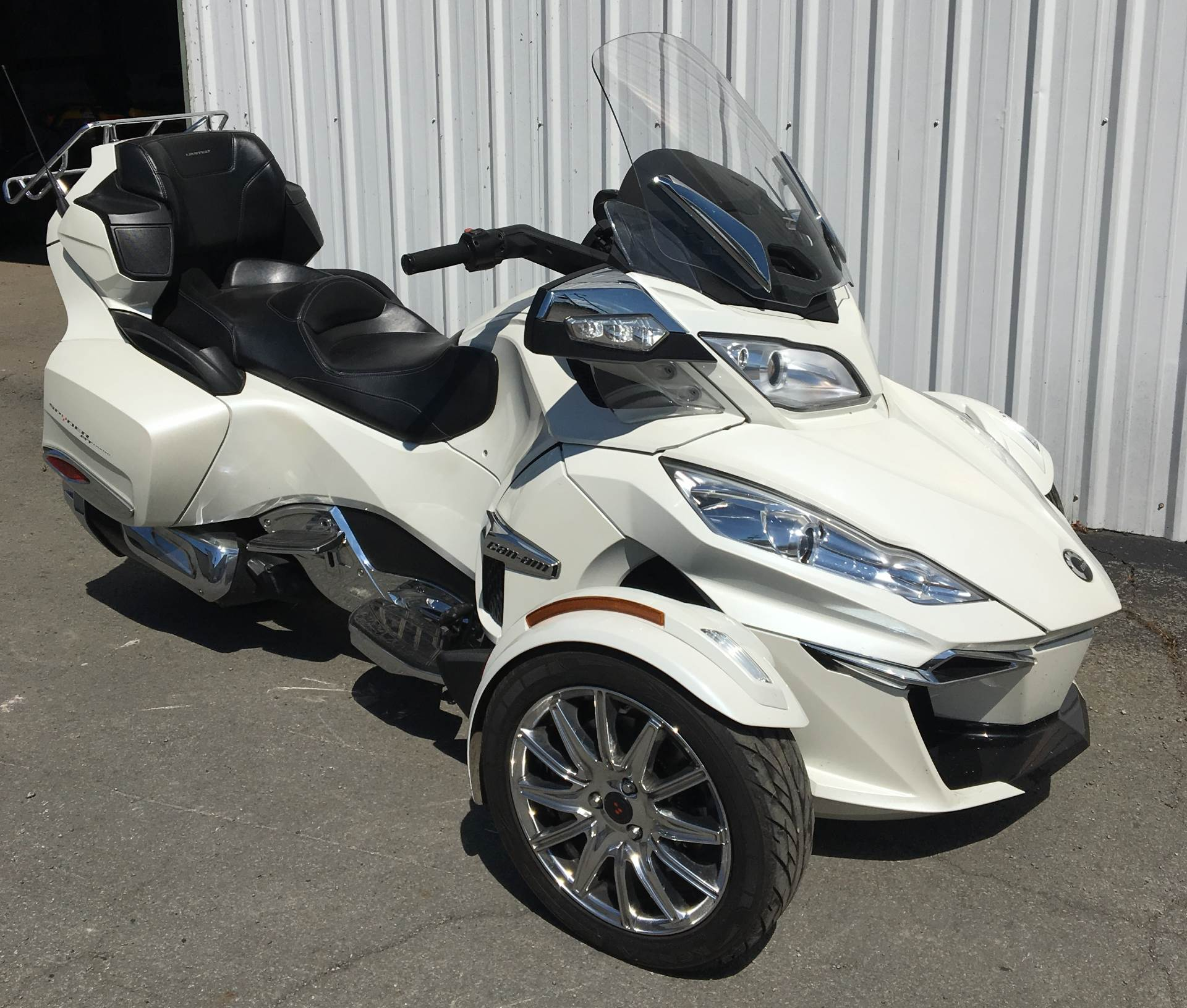 2016 Can-Am Spyder RT Limited in Walton, New York - Photo 2