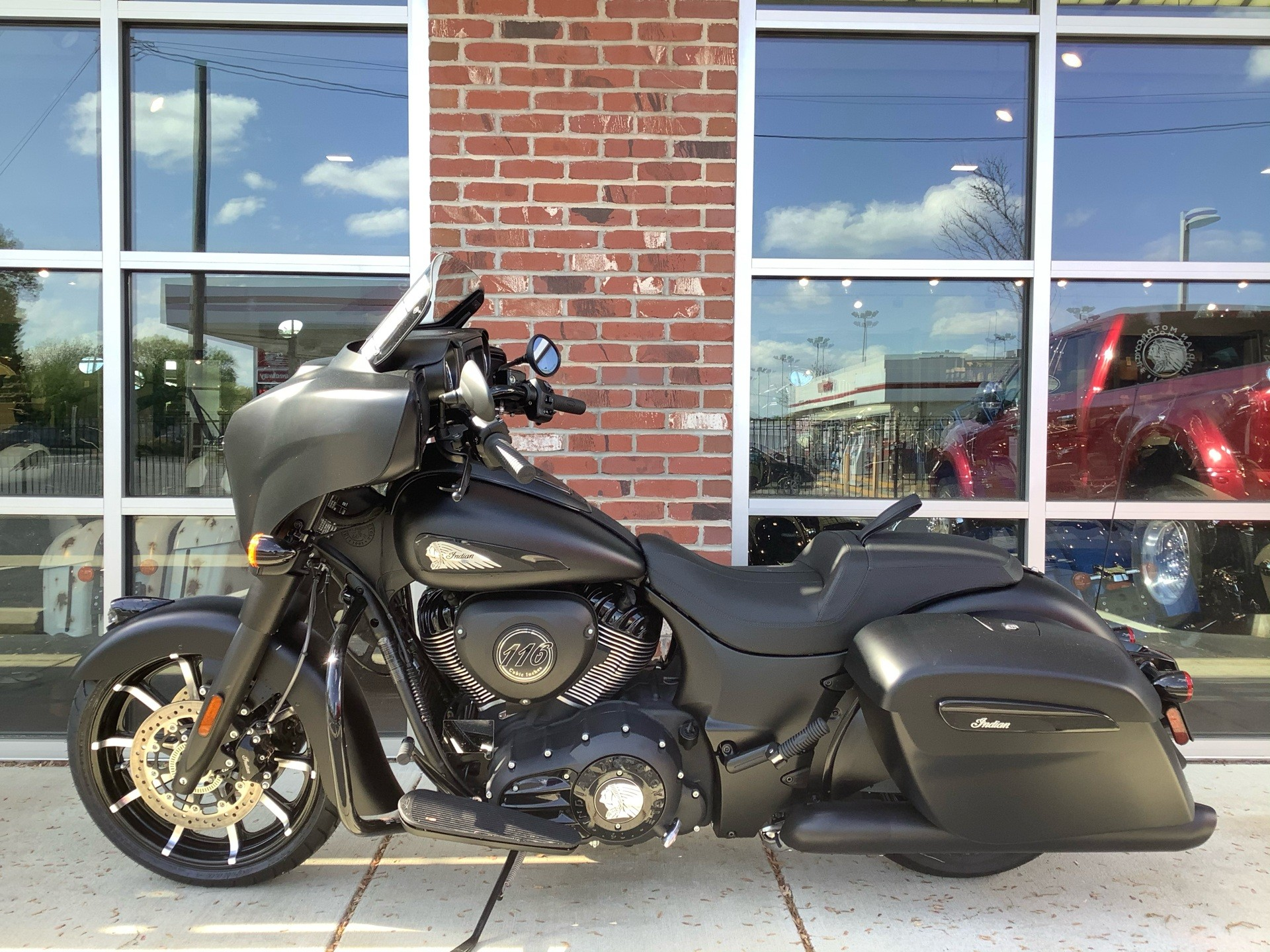 2020 Indian Chieftain® Dark Horse® in Newport News, Virginia - Photo 2