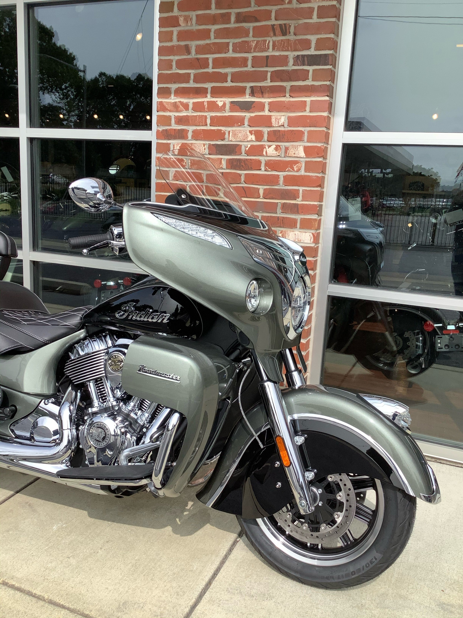 2021 Indian Roadmaster® in Newport News, Virginia - Photo 3
