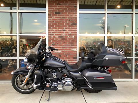 2017 Harley-Davidson Ultra Limited Low in Newport News, Virginia - Photo 2
