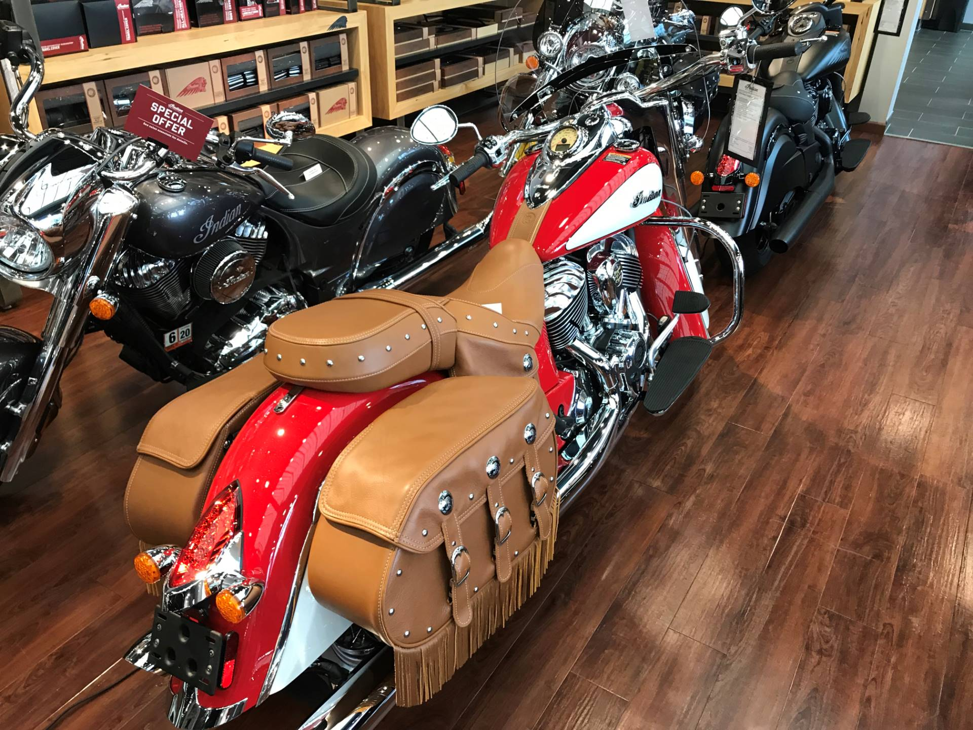 2020 Indian Chief® Vintage Icon Series in Newport News, Virginia - Photo 2