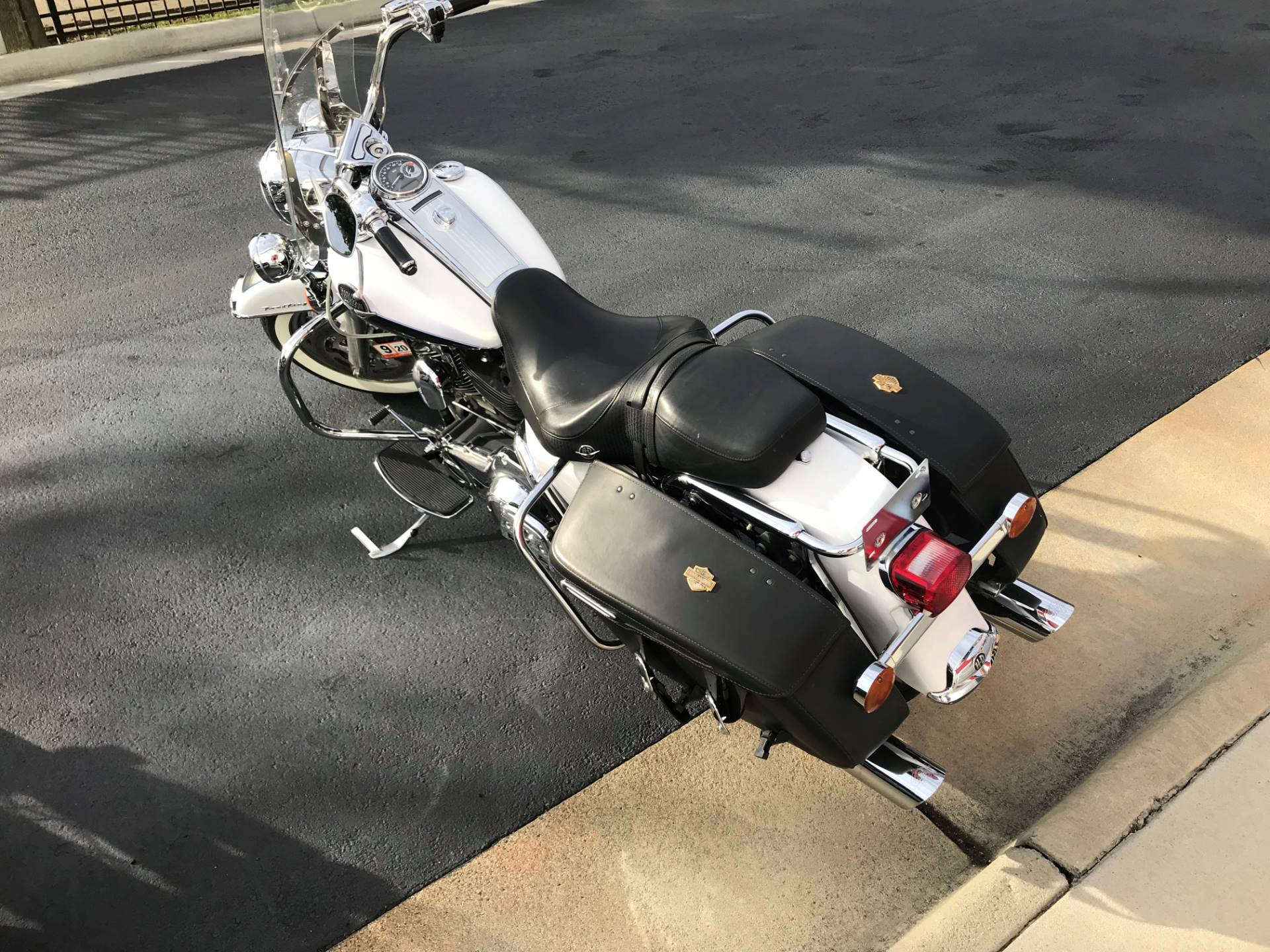 2008 Harley-Davidson Road King® Classic in Newport News, Virginia - Photo 3