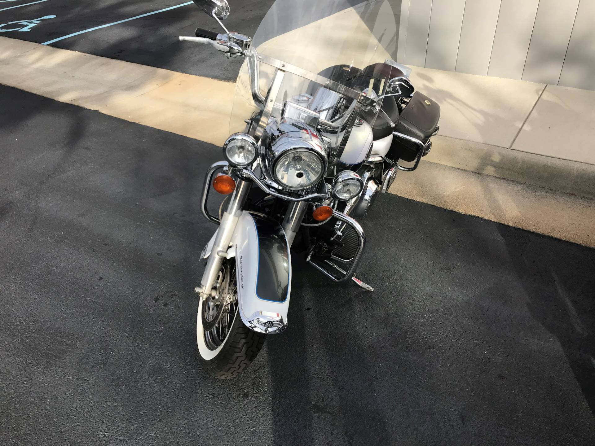2008 Harley-Davidson Road King® Classic in Newport News, Virginia - Photo 2