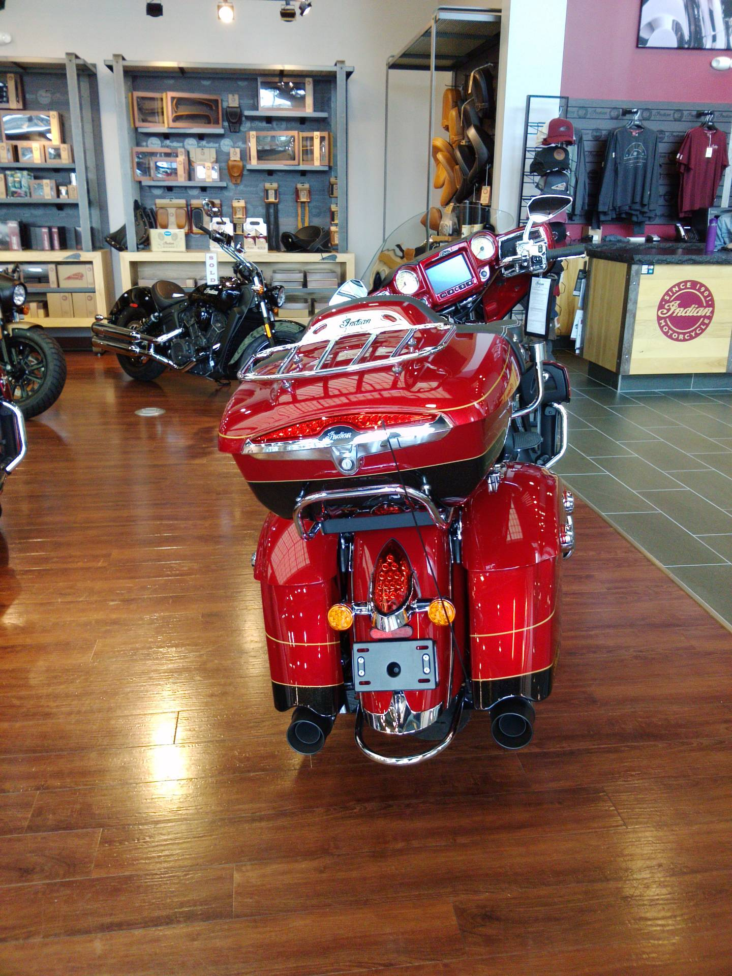 2019 Indian Roadmaster® Elite ABS in Newport News, Virginia - Photo 2