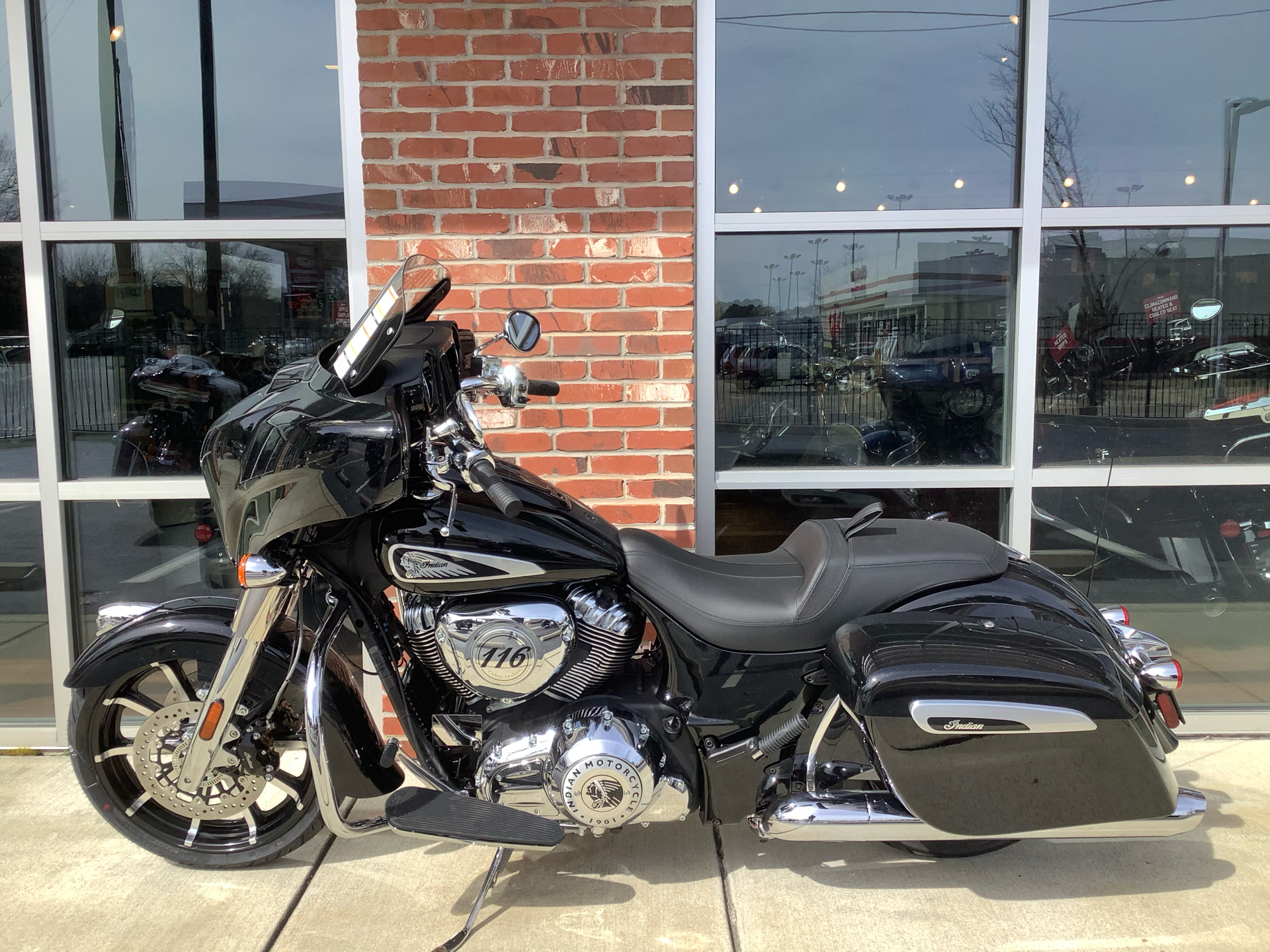 2021 Indian Chieftain® Limited in Newport News, Virginia - Photo 2