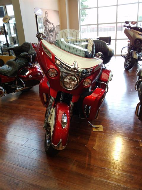2019 Indian Roadmaster® Icon Series in Newport News, Virginia - Photo 2