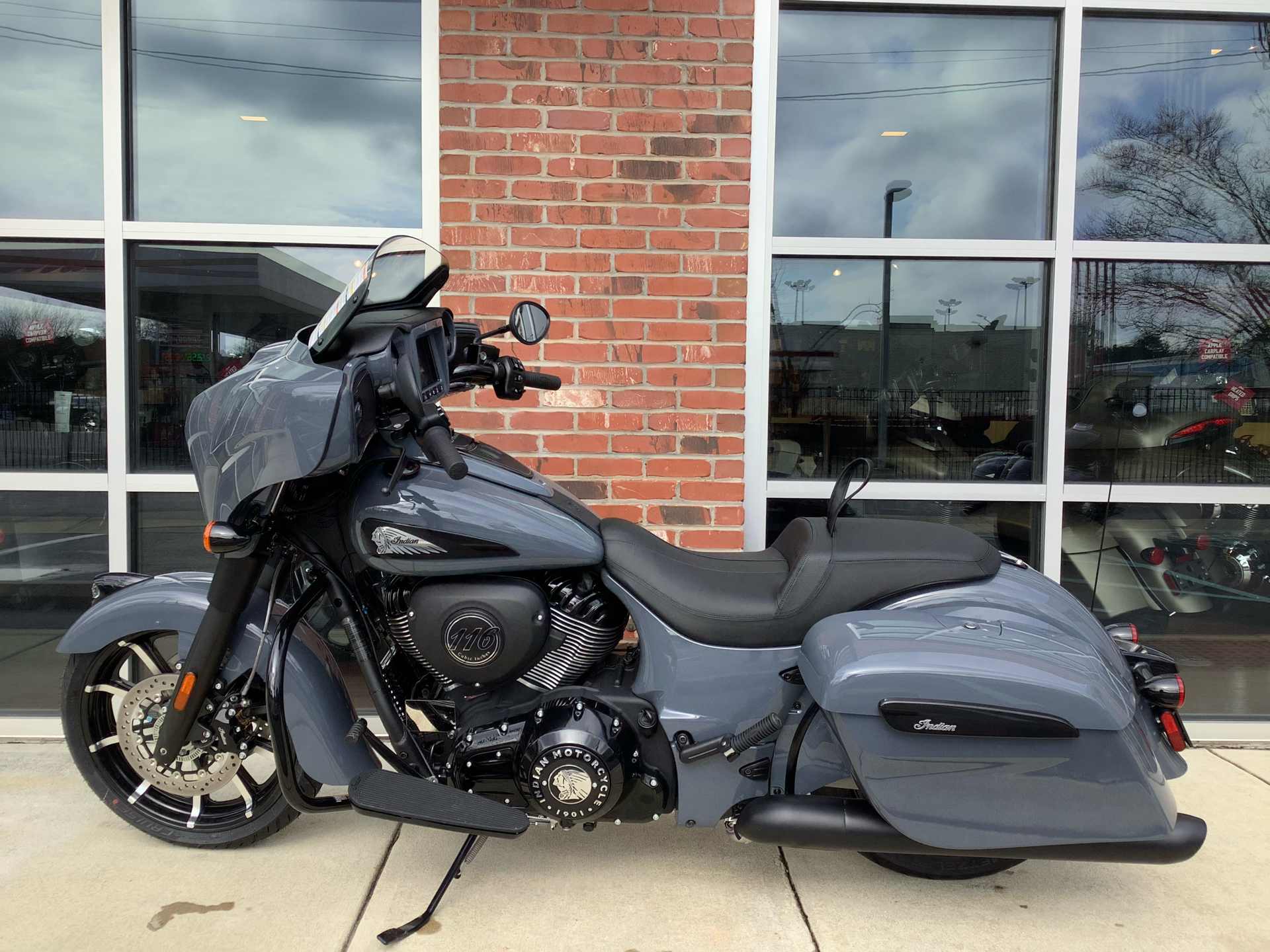 2021 Indian Chieftain® Dark Horse® Icon in Newport News, Virginia - Photo 2