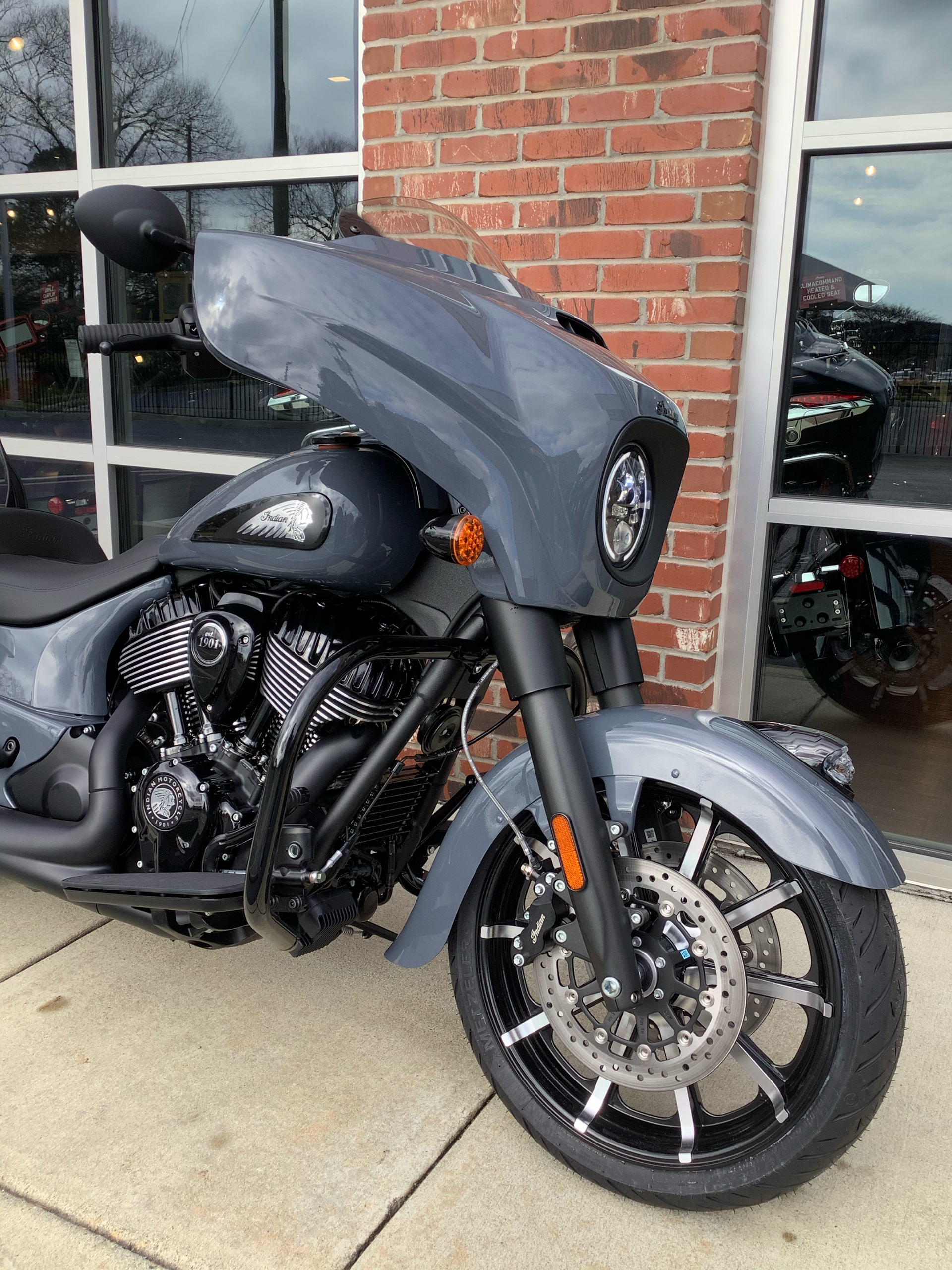 2021 Indian Chieftain® Dark Horse® Icon in Newport News, Virginia - Photo 3
