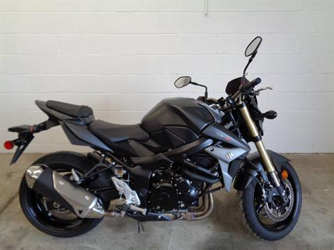 2015 Suzuki GSX-S750 in Pendleton, New York