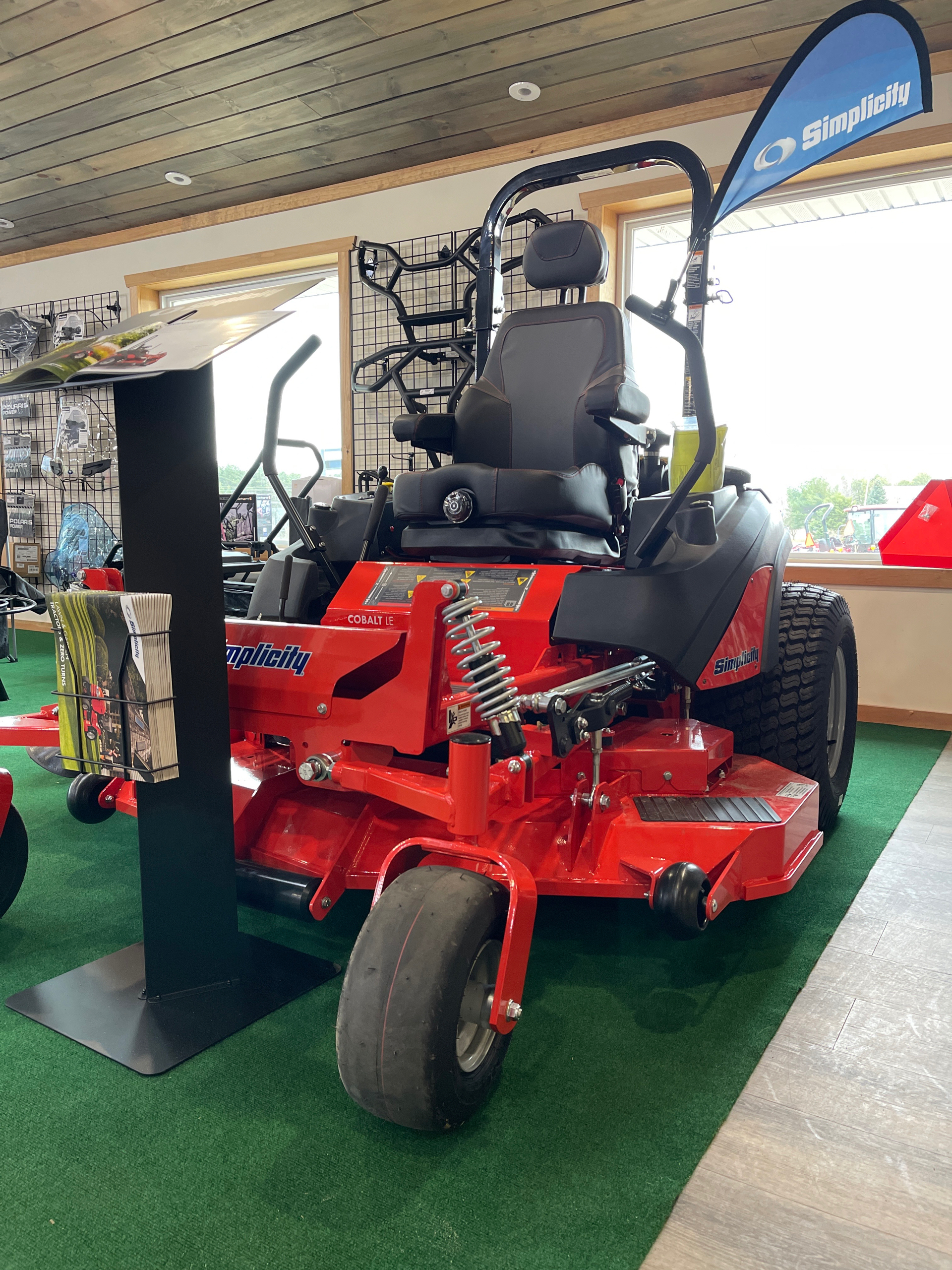 2021 Simplicity Cobalt LE 61 in. Vanguard Big Block 37 hp EFI in Malone, New York - Photo 2