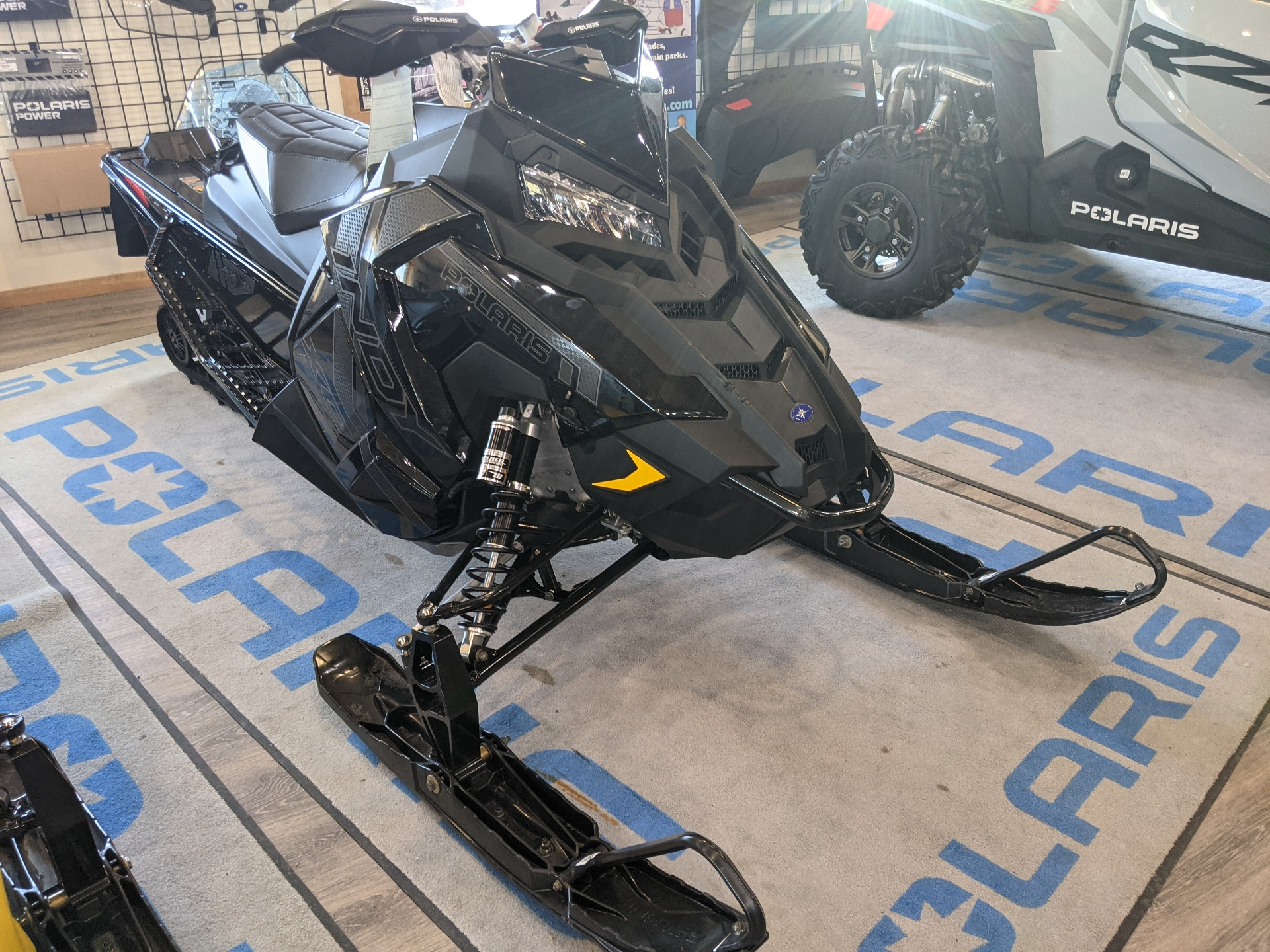 2021 Polaris 850 Indy XC 137 Factory Choice in Malone, New York - Photo 2