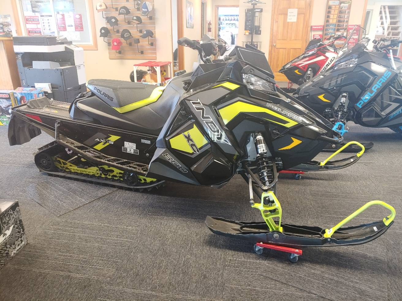 2019 Polaris 800 INDY XC 129 Snowcheck Select in Malone, New York - Photo 3