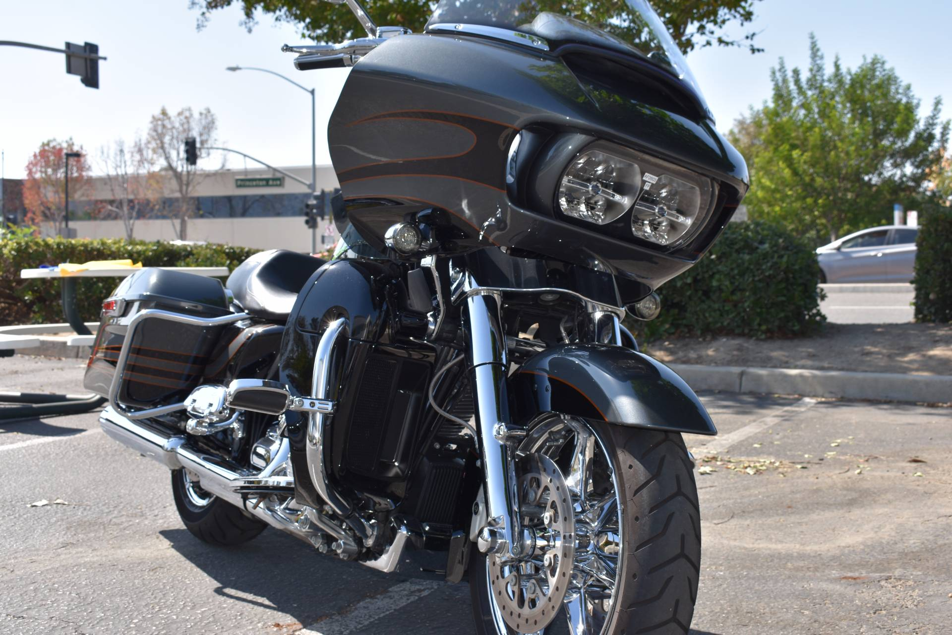 2016 Harley-Davidson CVO™ Road Glide™ Ultra in Moorpark, California
