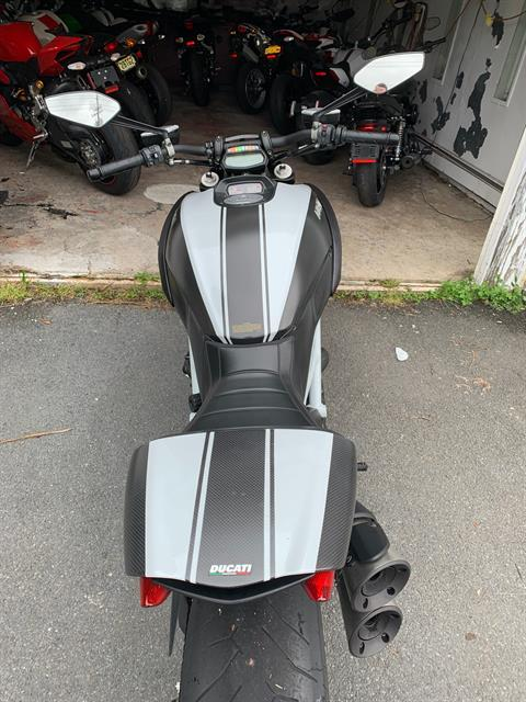 2015 Ducati Diavel Carbon in Fort Montgomery, New York - Photo 5