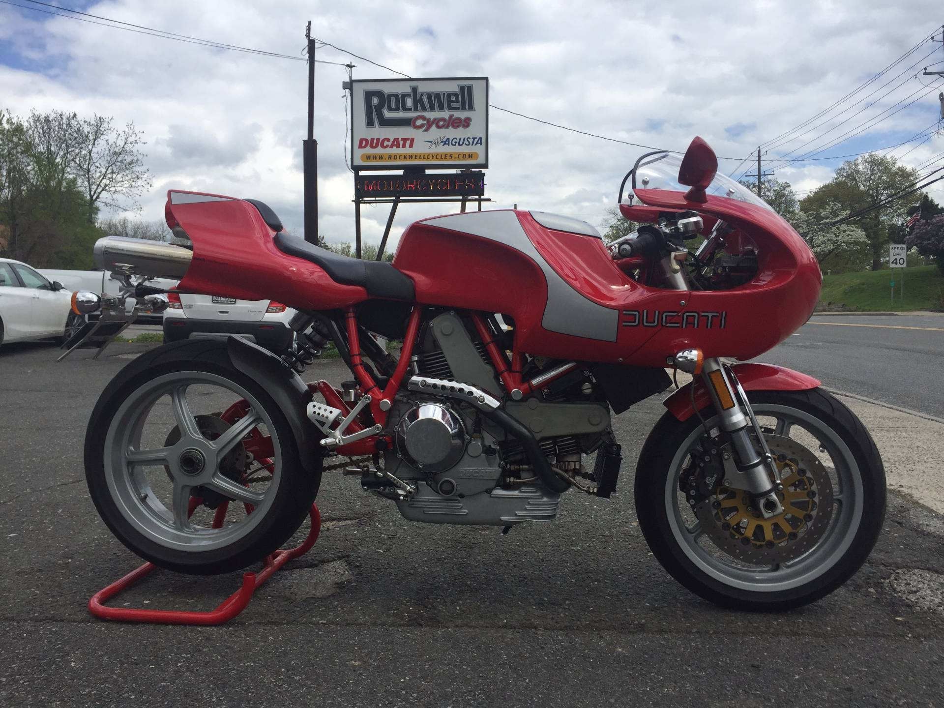2002 Ducati 900 MHR Mike Hailwood Replica