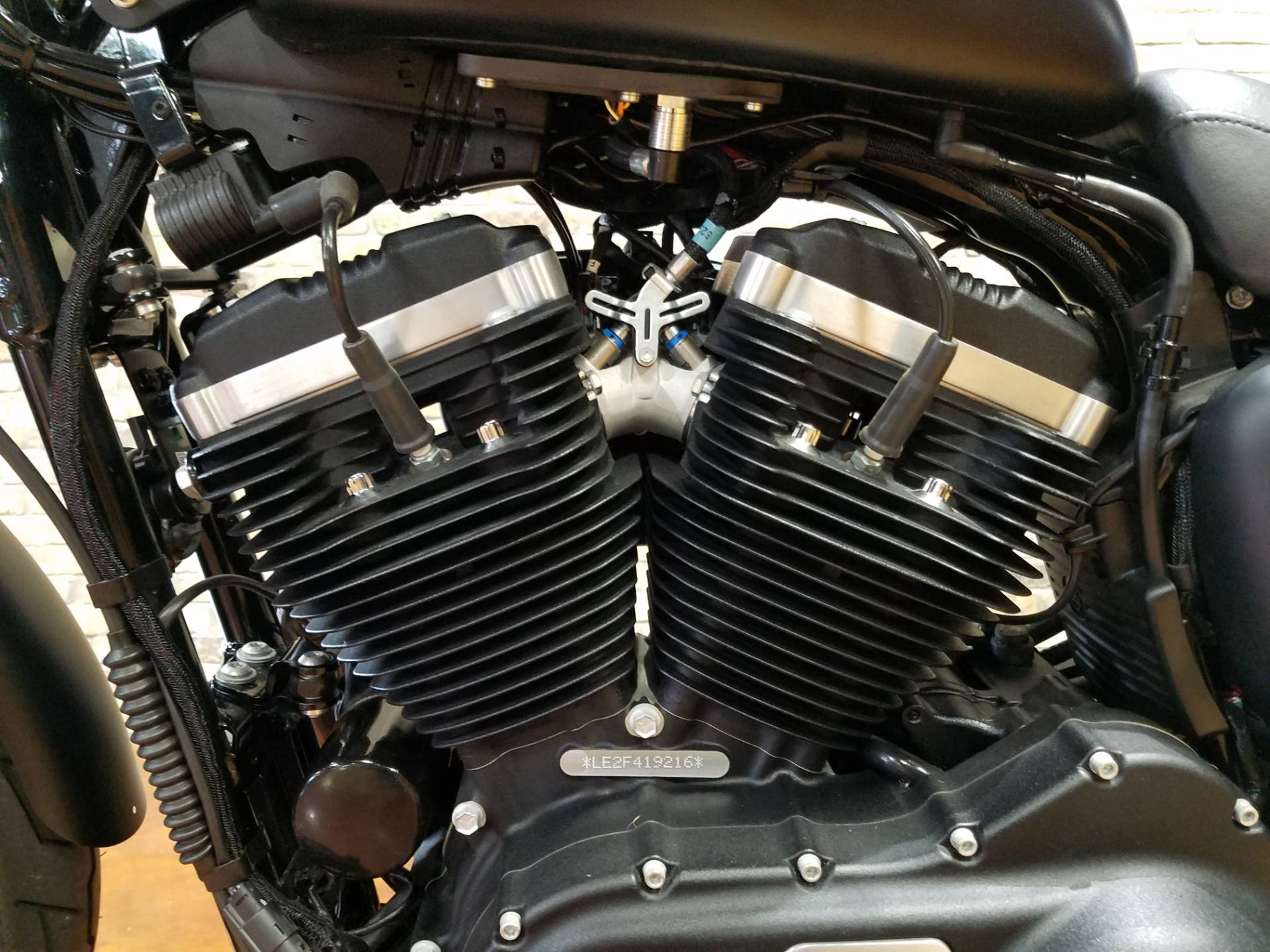 2015 Harley-Davidson Iron 883™ in Big Bend, Wisconsin - Photo 32