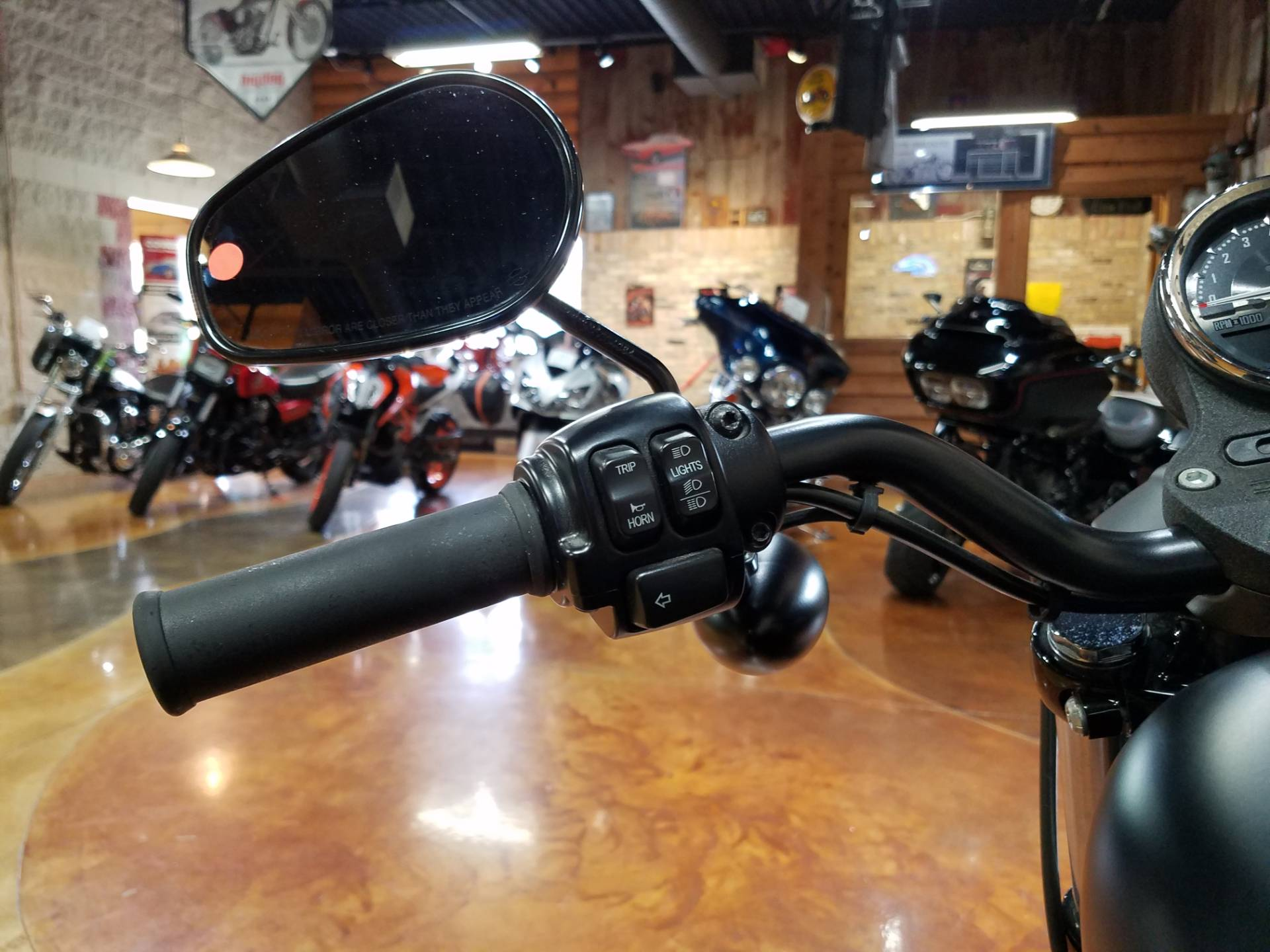 2015 Harley-Davidson Iron 883™ in Big Bend, Wisconsin - Photo 47