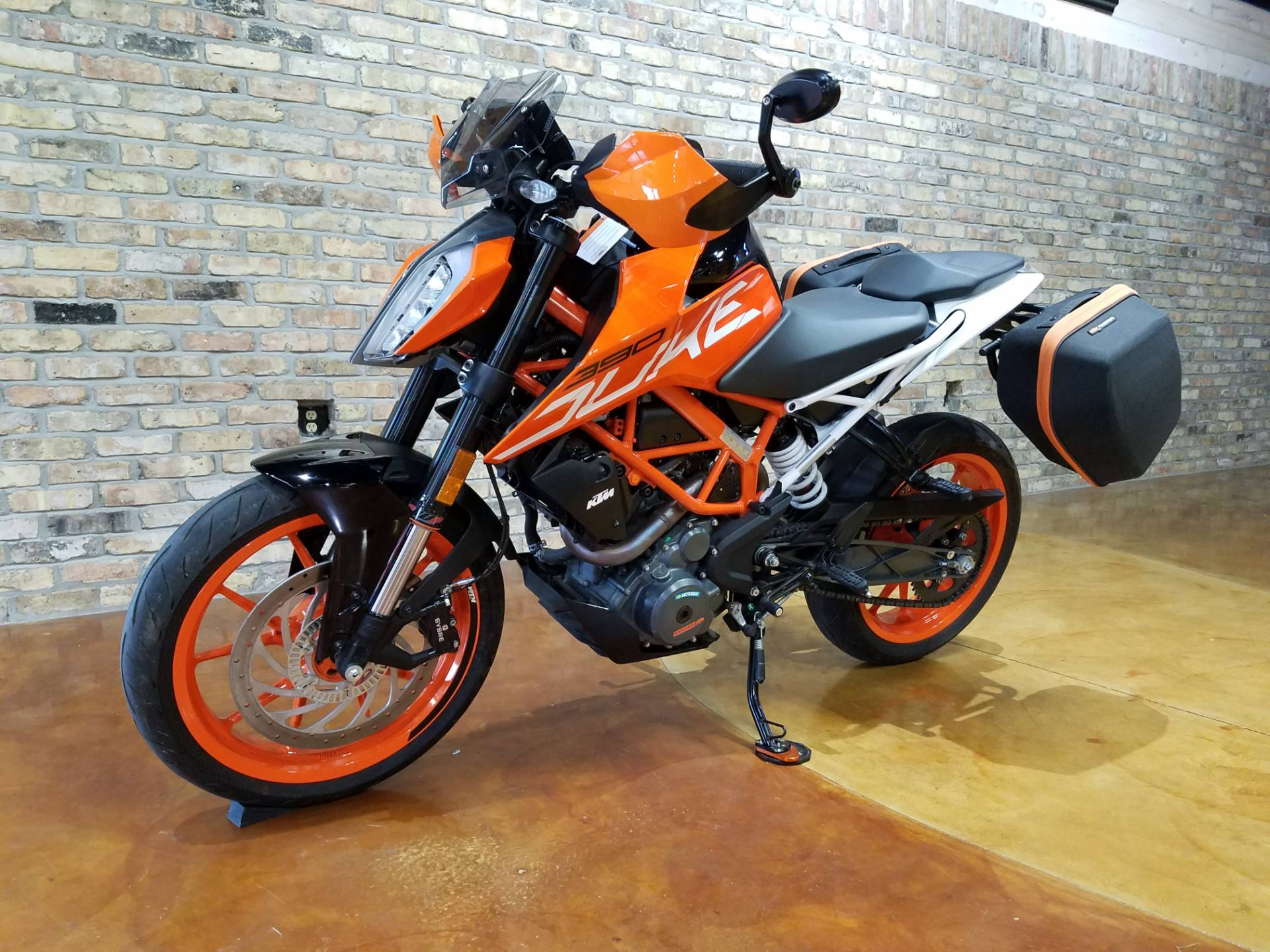 2018 KTM 390 Duke in Big Bend, Wisconsin - Photo 28