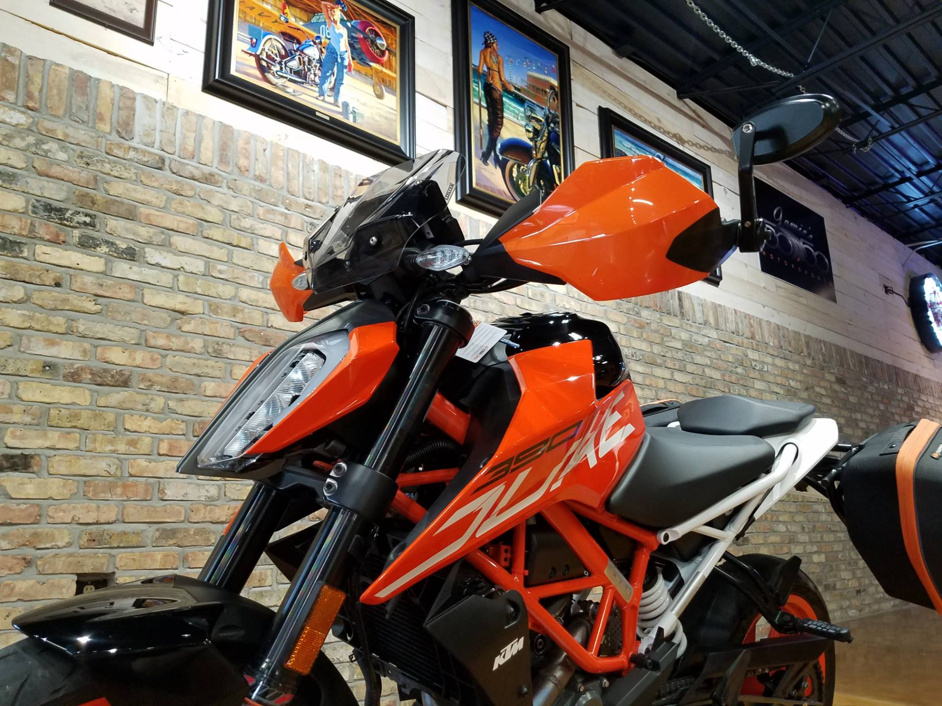 2018 KTM 390 Duke in Big Bend, Wisconsin - Photo 32