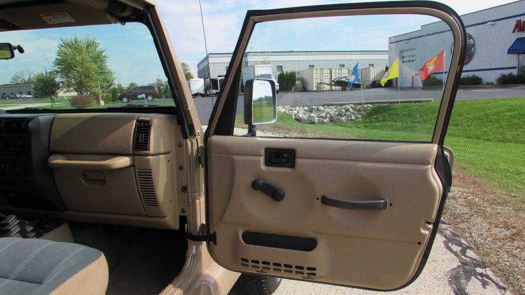 2000 Jeep Wrangler Sahara in Big Bend, Wisconsin - Photo 19