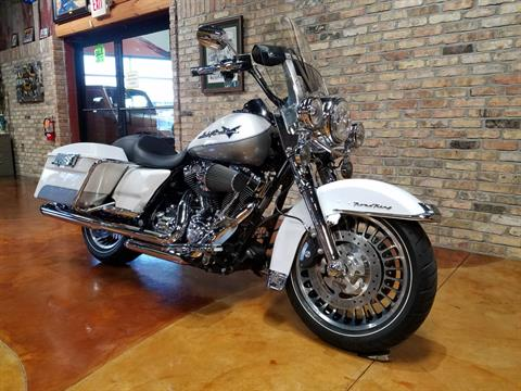 2009 Harley-Davidson Road King® in Big Bend, Wisconsin - Photo 2