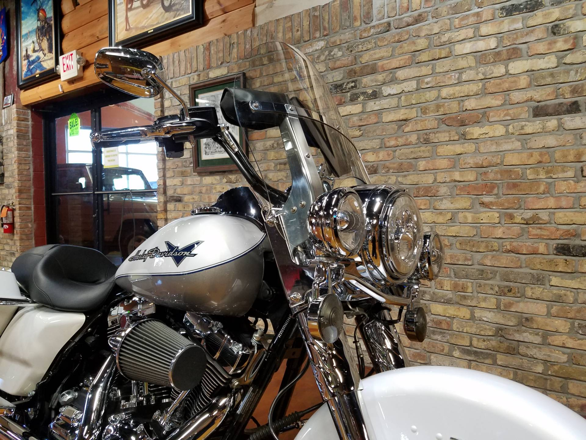 2009 Harley-Davidson Road King® in Big Bend, Wisconsin - Photo 16