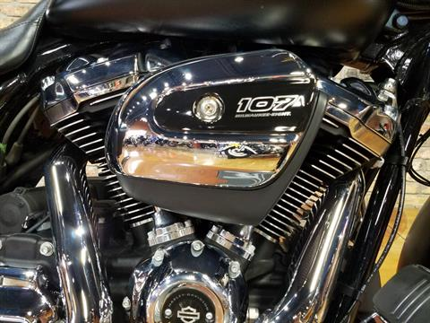 2017 Harley-Davidson Street Glide® Special in Big Bend, Wisconsin - Photo 12