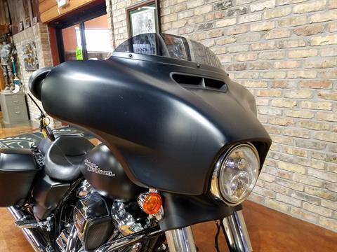 2017 Harley-Davidson Street Glide® Special in Big Bend, Wisconsin - Photo 15