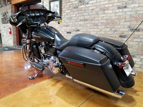 2017 Harley-Davidson Street Glide® Special in Big Bend, Wisconsin - Photo 27