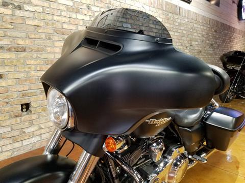 2017 Harley-Davidson Street Glide® Special in Big Bend, Wisconsin - Photo 32