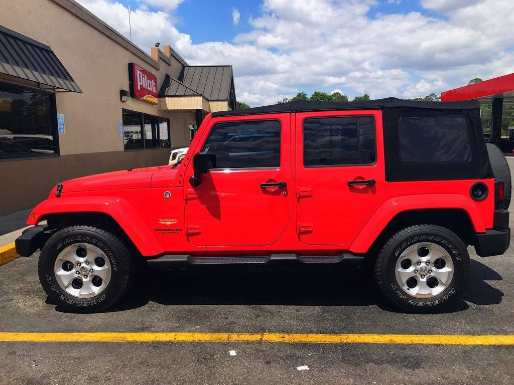 2013 Jeep Wrangler Unlimited Sahara in Big Bend, Wisconsin - Photo 3
