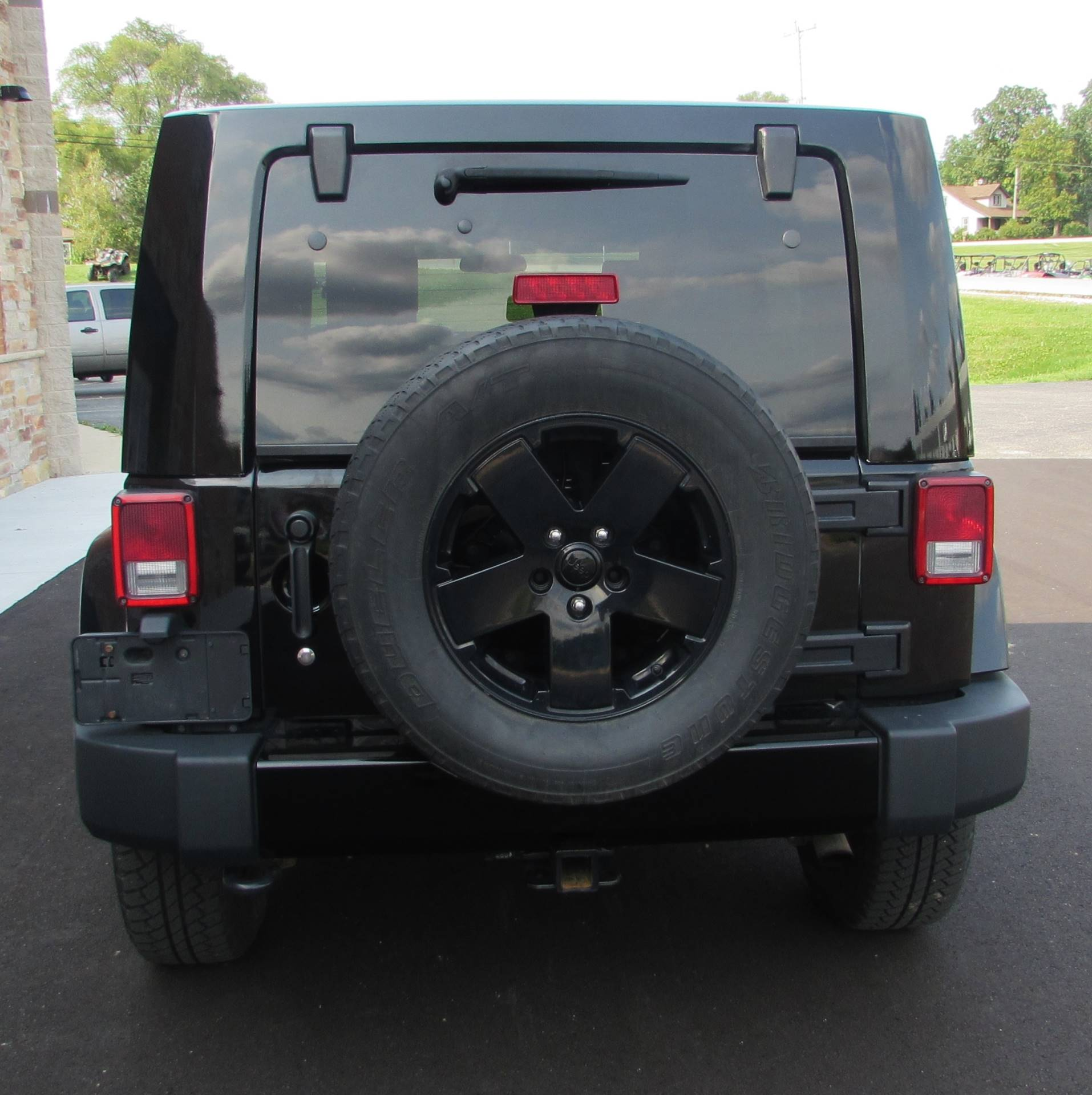 2010 Jeep Wrangler Sahara Unlimited in Big Bend, Wisconsin - Photo 2
