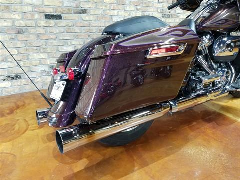 2017 Harley-Davidson Street Glide® Special in Big Bend, Wisconsin - Photo 17