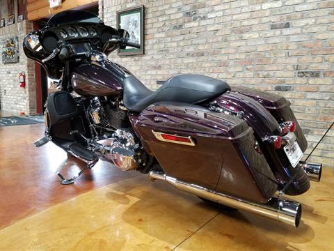 2017 Harley-Davidson Street Glide® Special in Big Bend, Wisconsin - Photo 43