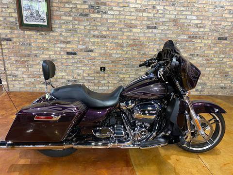 2017 Harley-Davidson Street Glide® Special in Big Bend, Wisconsin - Photo 2